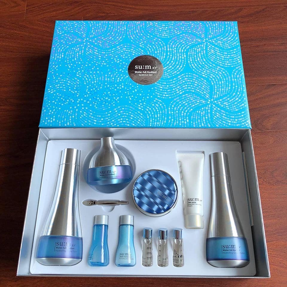 Bộ mỹ phẩm Su:m37 xanh Water-Full Radiant Hydrating Glow Special Gift