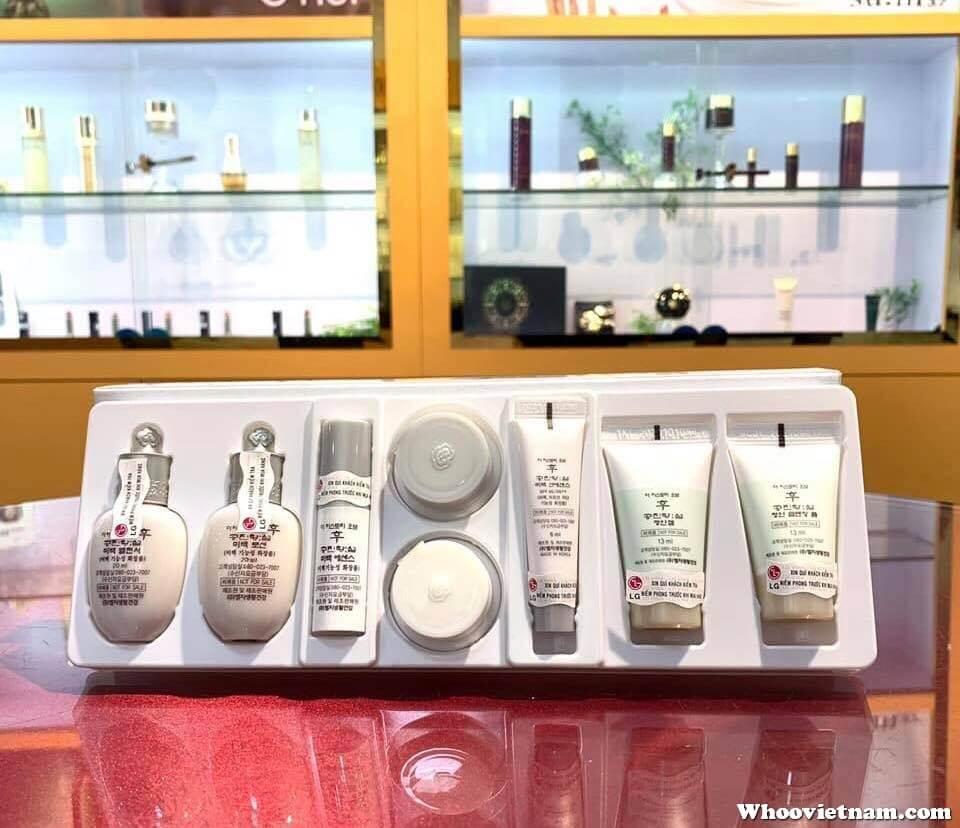 Bộ Dưỡng Trắng Da Trị Thâm Nám Whoo Radiant White Royal Whitening Spa Special Gift Set 8 món