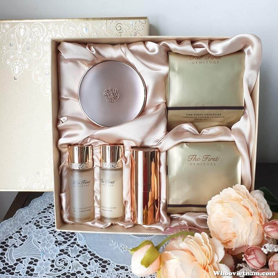 Bộ phấn nước Ohui The First Geniture Ampoule Cover Cushion Special Set 2019